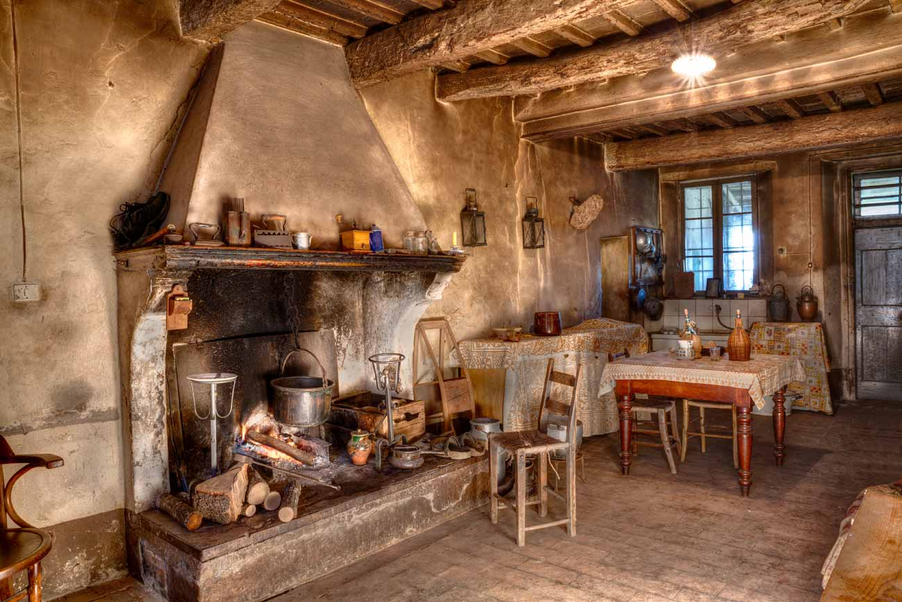 Stufe putag e camini oggettistica antica antichi for Maison de campagne interieur