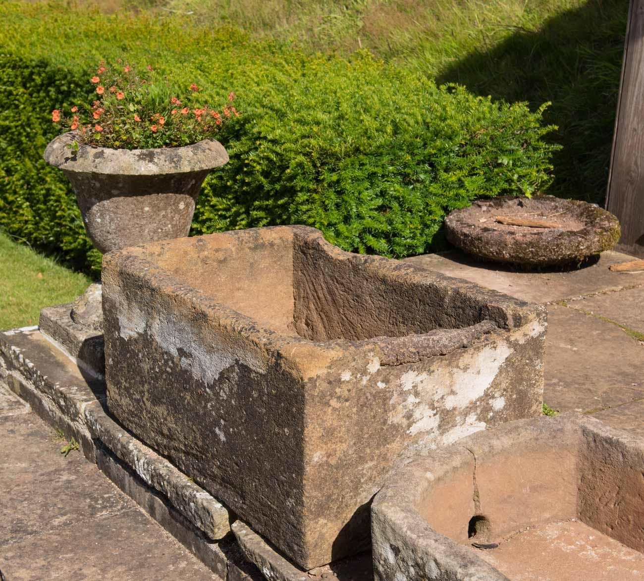 Vasche per giardini vasche antiche e nuove antichi - Vasche in pietra da giardino ...